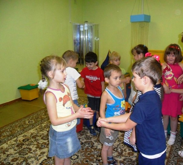 Приветствие в детском саду