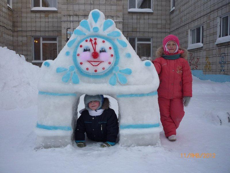 Часы из снега своими руками